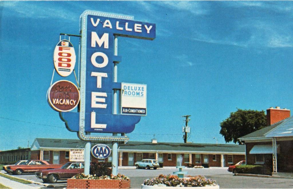 Valley Motel Green Bay Wisconsin By Sportsuburban