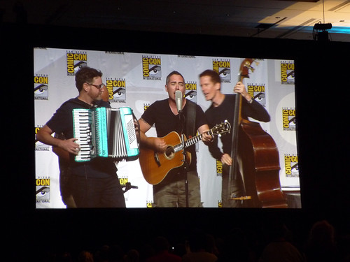 BNL opened for the Big Bang Theory panel | by thinkgeekmonkeys