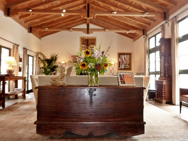 cypress inn carmel california cypress inn carmel doris. Black Bedroom Furniture Sets. Home Design Ideas