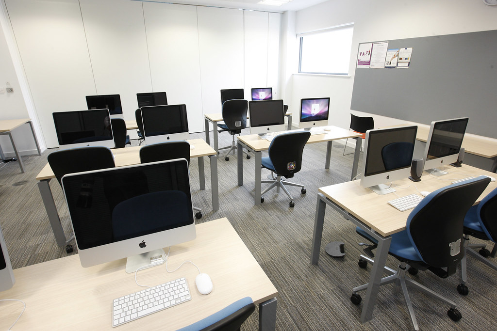 Ict suite mac room rooms at city library are available for 3d room design mac