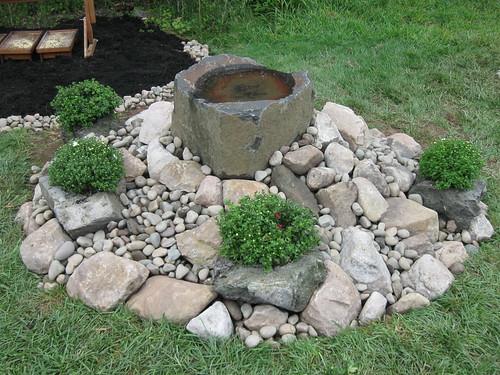 Basalt Rock Gardening : Basalt rock dish mounted on garden