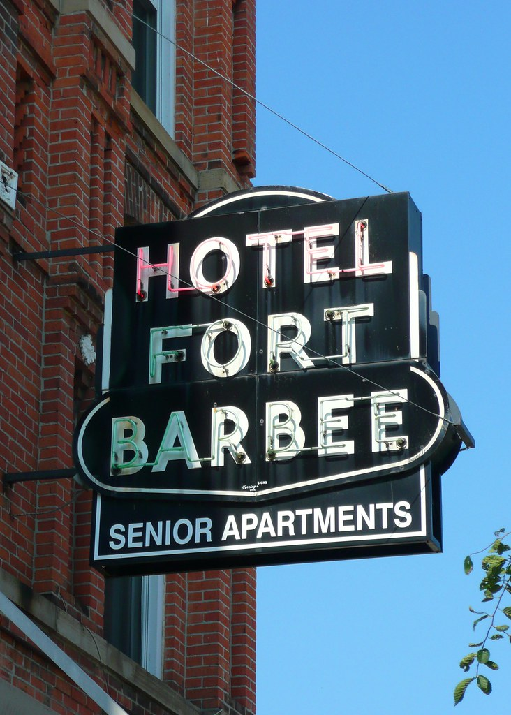 St Marys Oh Hotel Fort Barbee Neon Sign The Hotel Fort Ba Flickr