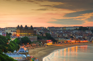 Scarborough at night (England) | by CLIFFWALKER