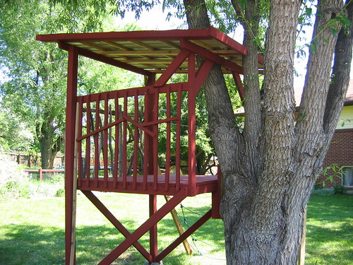 Stand Designs Zip : Kids treehouse colorado this tree house came with a