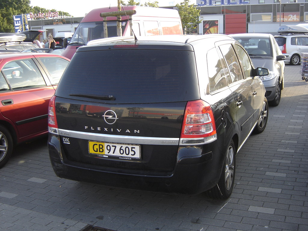 2009 opel zafira flexivan for fiscal reasons there are a. Black Bedroom Furniture Sets. Home Design Ideas