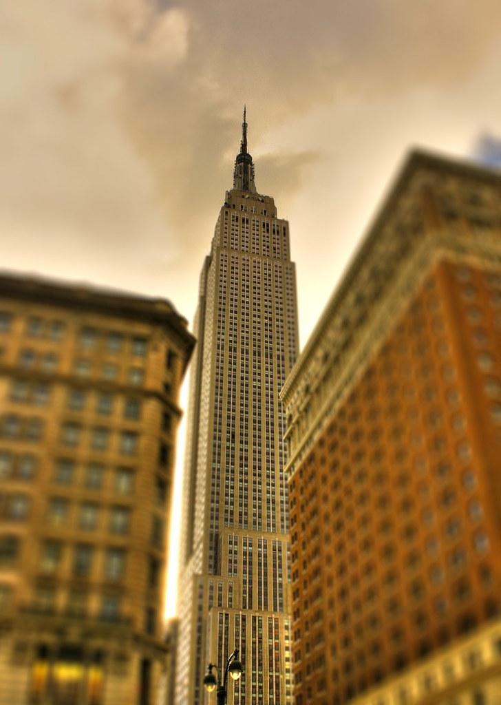 New york city usa empire state building 01 tiltshift for 102nd floor empire state building