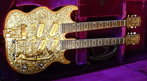 Gold double neck | by Aika 47