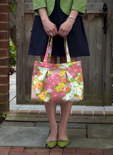 Isabella Tote: repurposed pillow case | by betz_white