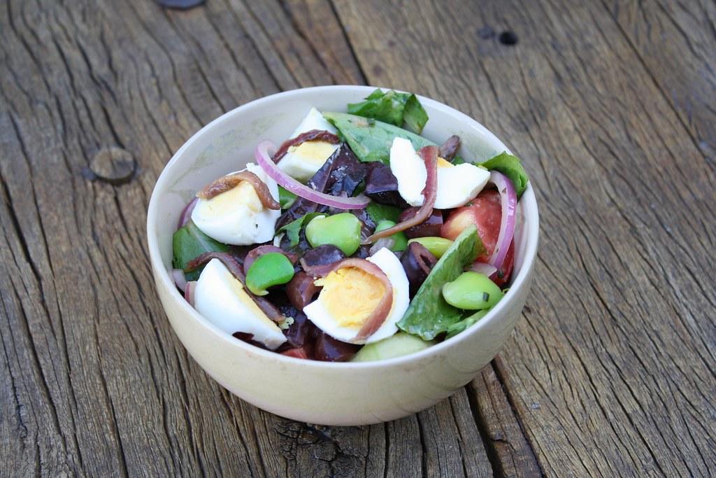 Classic Salad Nicoise | dishingupdelights.blogspot.com ...