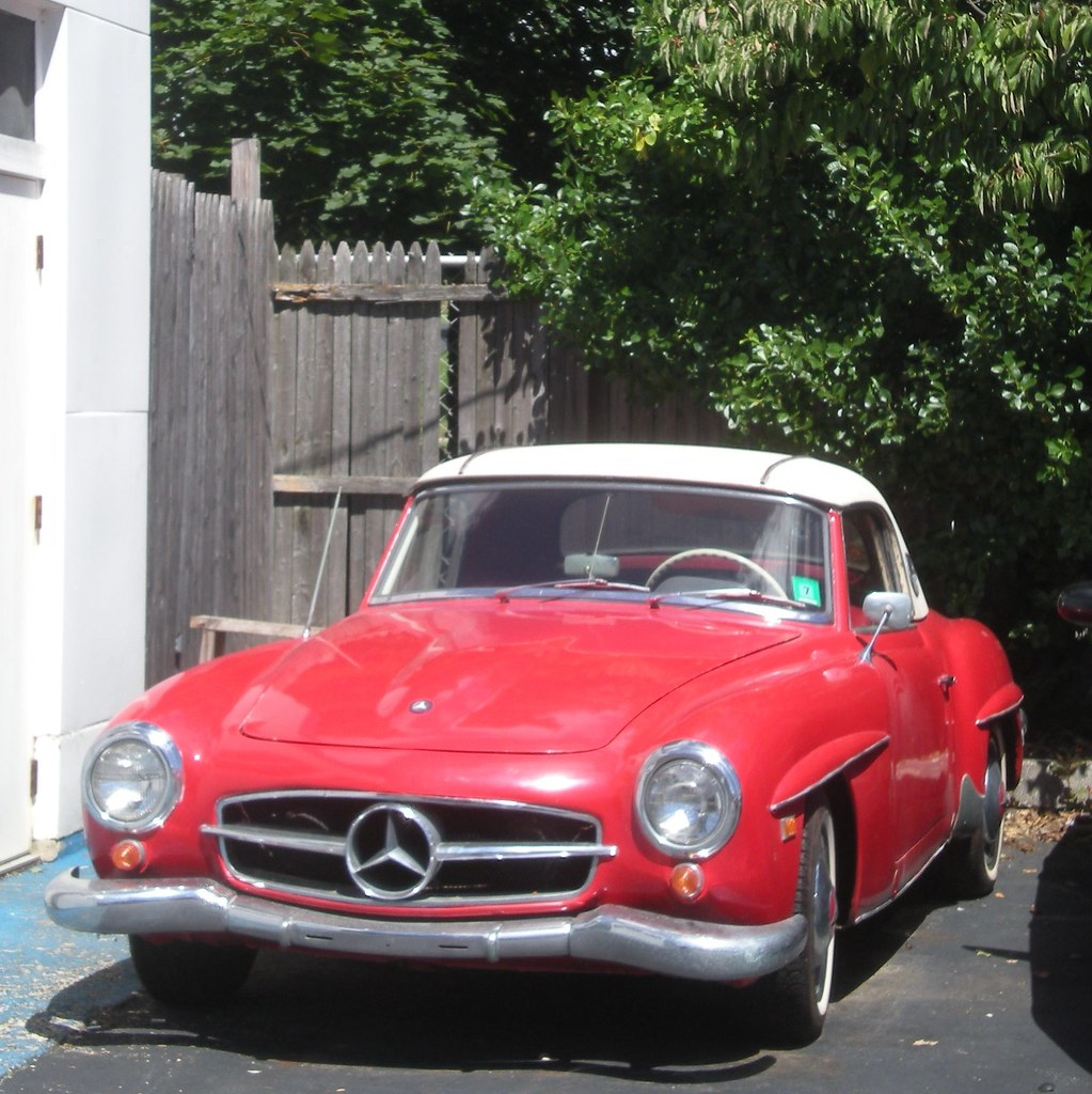 Classic mercedes benz sl class this red mercedes sl for Mercedes benz of caldwell
