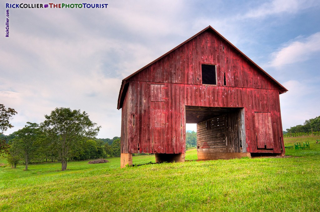 Hdr Old Barn At Hume Hdr Image Of An Old Barn On The