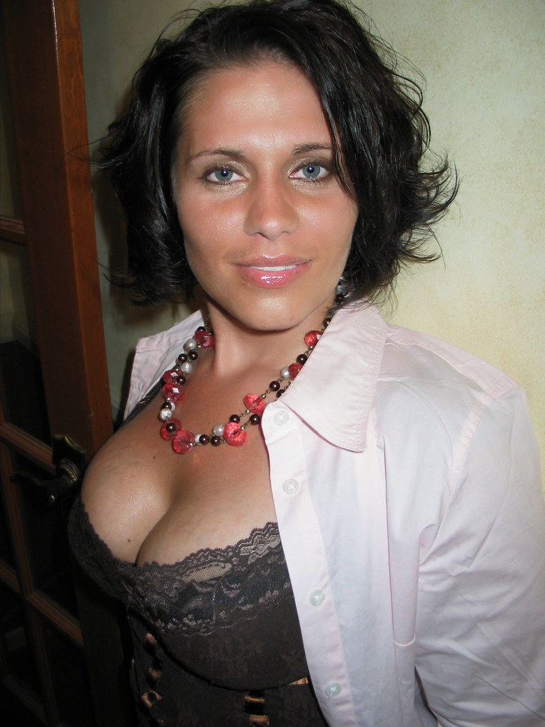 cape fair milf women Cape fair meet for casual dating signup free and meet 1000s of local women and men in cape fair, missouri looking to hookup on bookofmatchescom.