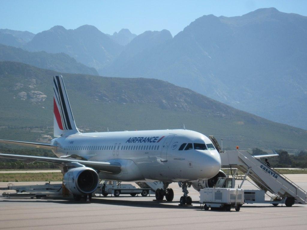 Air france airbus a320 f hbna air france airbus a320 f for Airbus a320 air france interieur