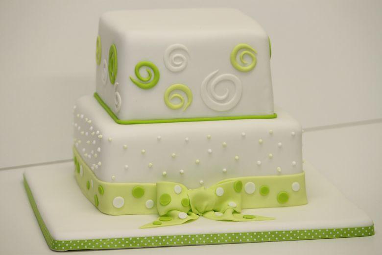 Hochzeitstorte Weiß Grün : Hochzeitstorte grün weiß mit Punkten ...