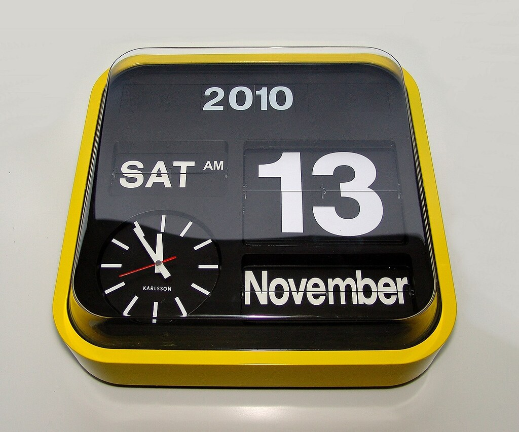 Yellow karlsson big flip clock 1200 yellow fever i White flip clock