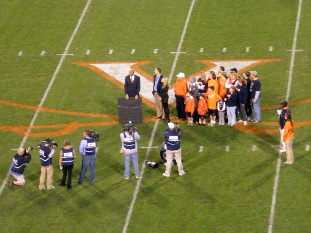 low cost eb769 ab48c UVA Retires Patrick Kerney's Jersey | At halftime of Virgini ...