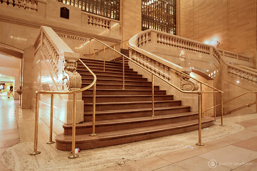 how to get from jfk to grand central station