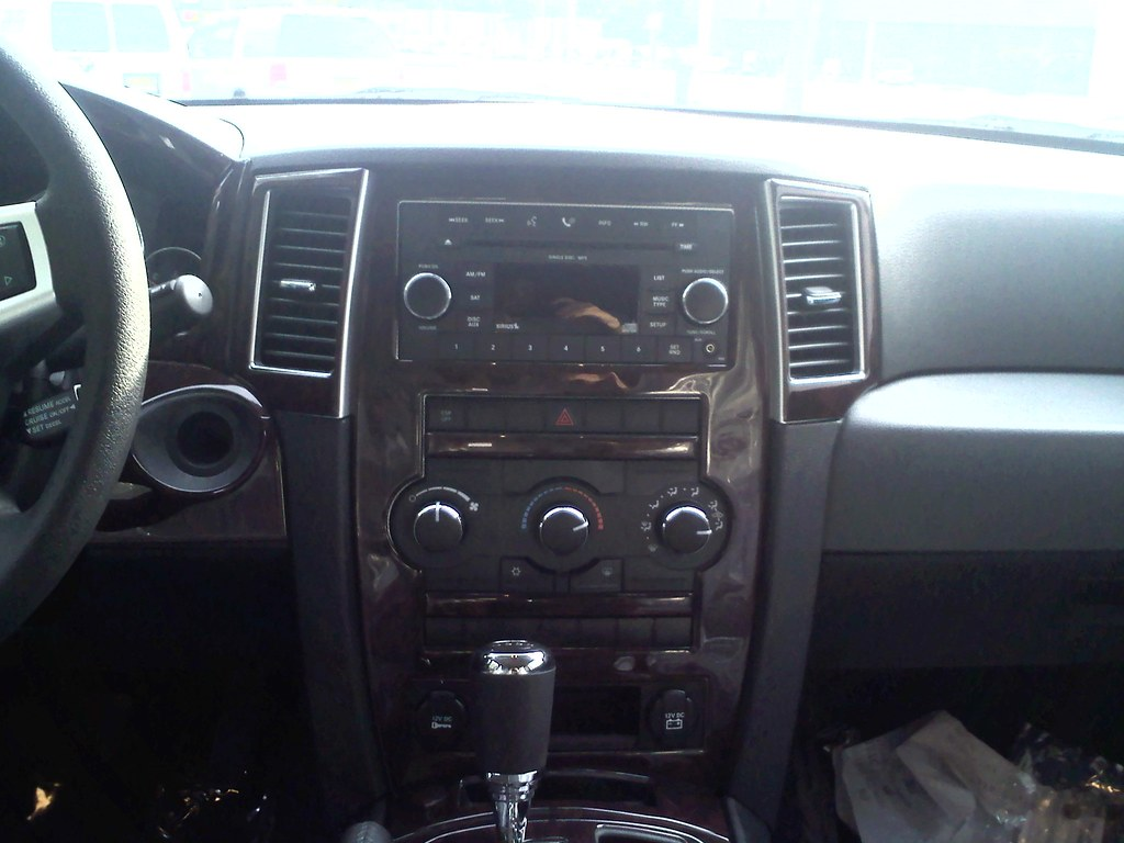 Wrangler Dvd Wood Trim Makes The Interior Of This Jeep Gra Flickr