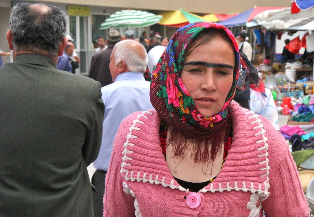 Как выглядят таджики