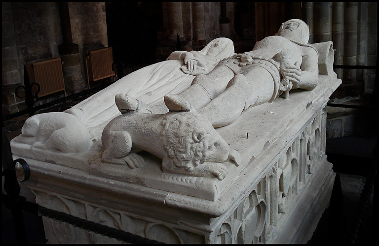 larkin arundel tomb