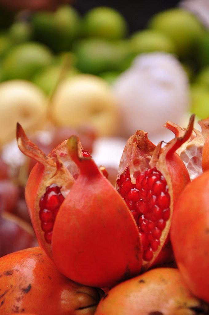 1 doz pomegranate  bedana   d