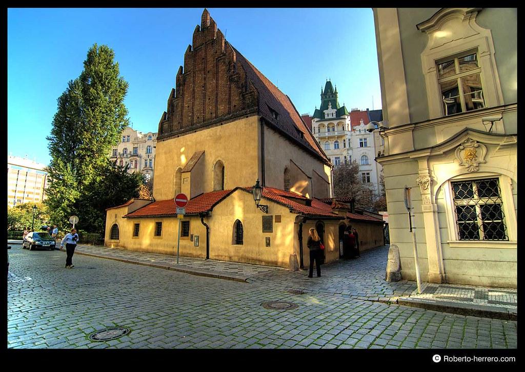 Old new synagogue prague czech republic roberto - Roberto herrero ...