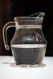 pichet d eau pichet d eau fr d ric bisson flickr. Black Bedroom Furniture Sets. Home Design Ideas