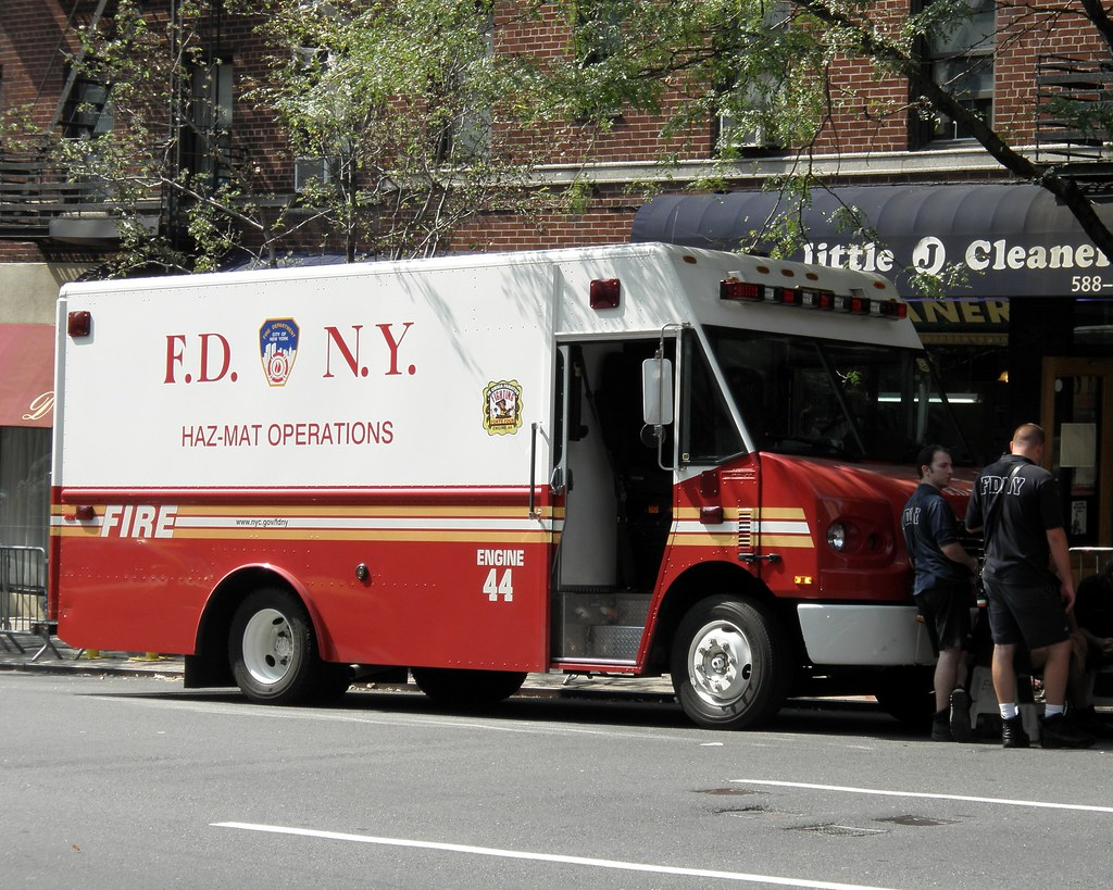 ... E044s FDNY Engine 44 Haz-Mat Operations Truck, New York City | by  jag9889