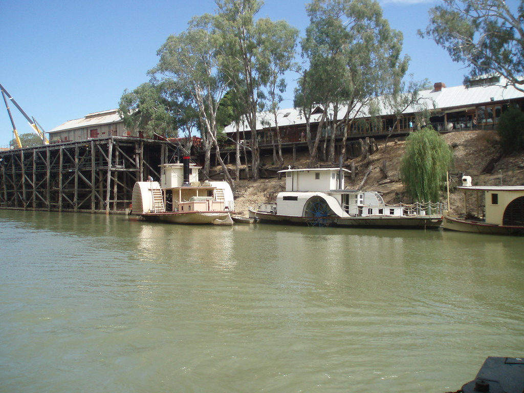 paddle wheelers echuca paddle wheelers on the murray riv flickr