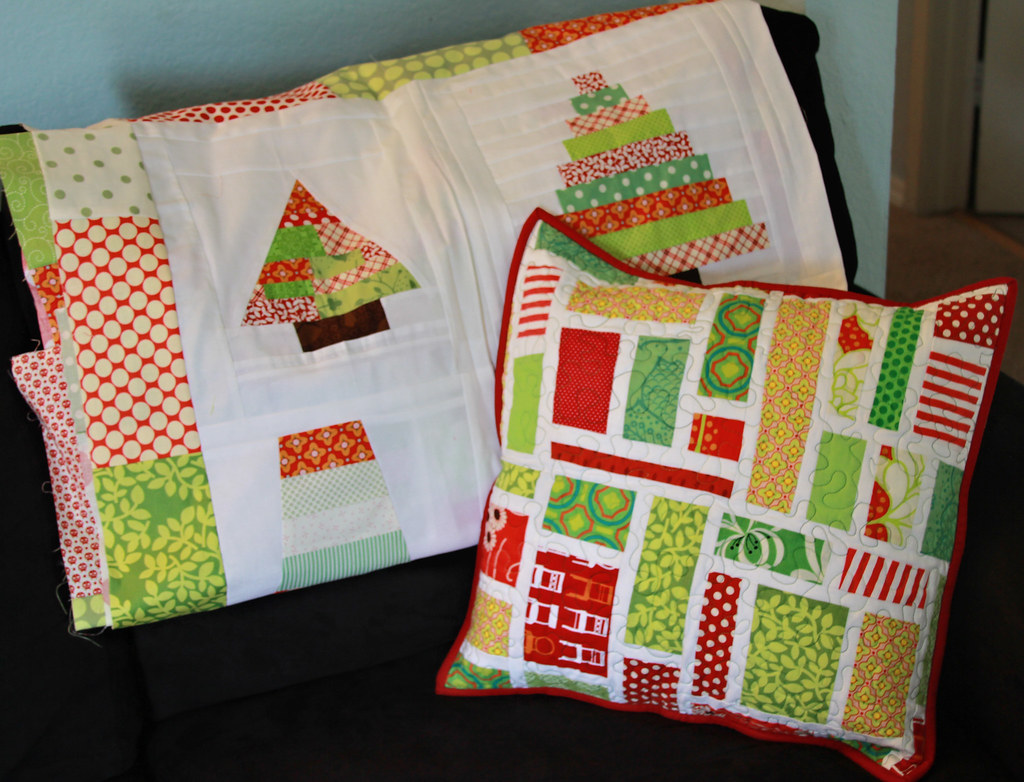 Christmas Pillow + Christmas quilt