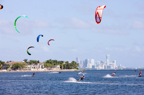 Kiteboarding on Biscayne Bay/Key Biscayne | by thepalmshotel