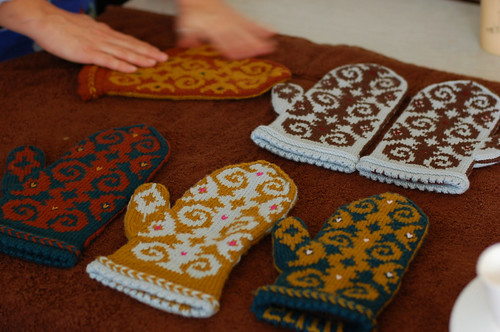 Blocking Mittens | by helloyarn