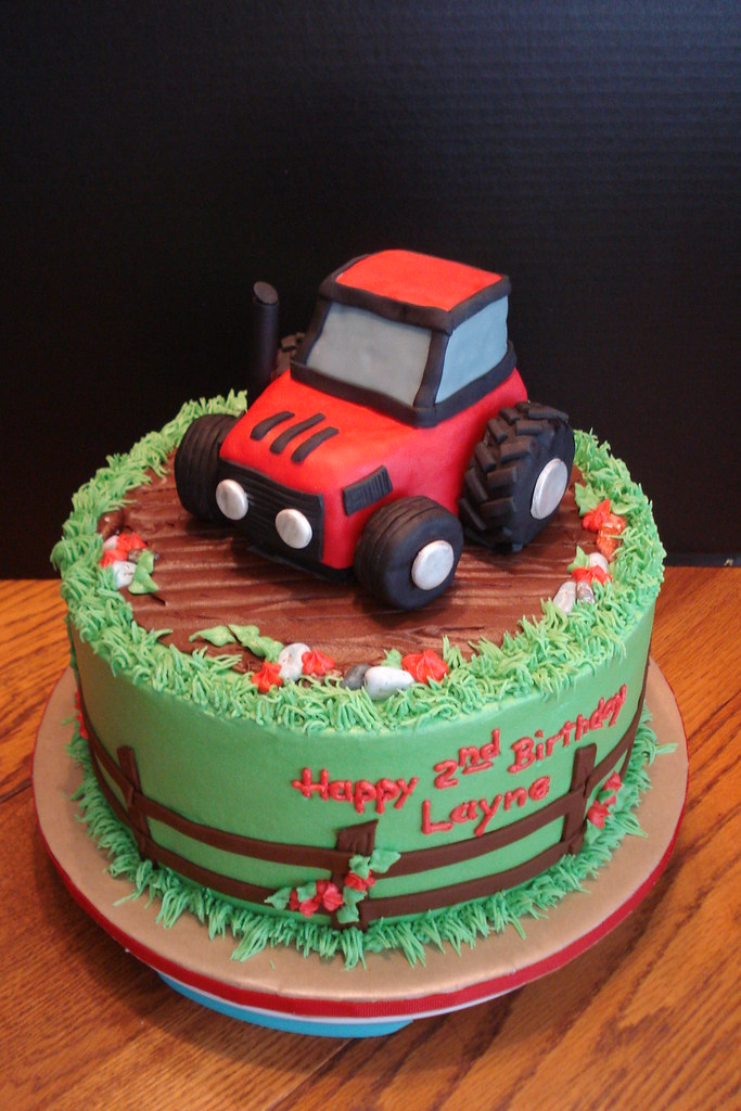 Layne S Tractor Cake July 2010 All White Again With