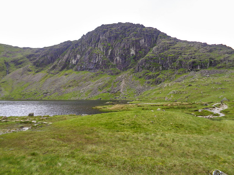 Approaching Pavey Ark