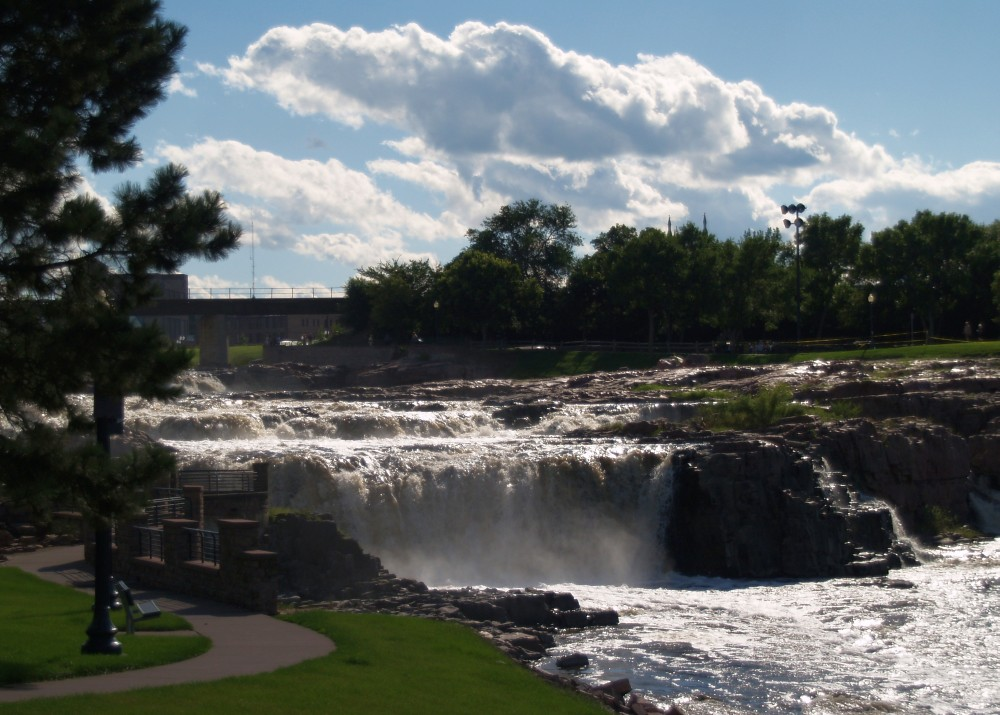 big falls online dating Plan your visit to geyser falls water theme park, tripadvisor's top  don't forget  to save big by purchasing your $20 tickets online benefiting blair e batson.