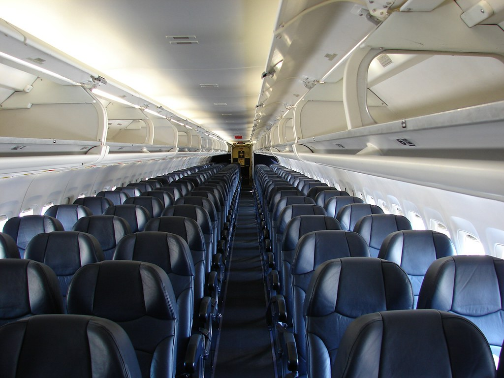 Allegiant Air MD-82 Interior. | A look at the beautiful ...