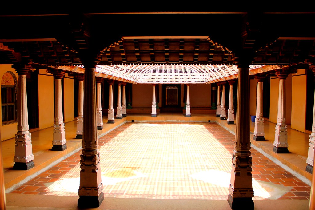 Chettinad palace hall with pillars natesh ramasamy flickr for Chettinad house architecture design