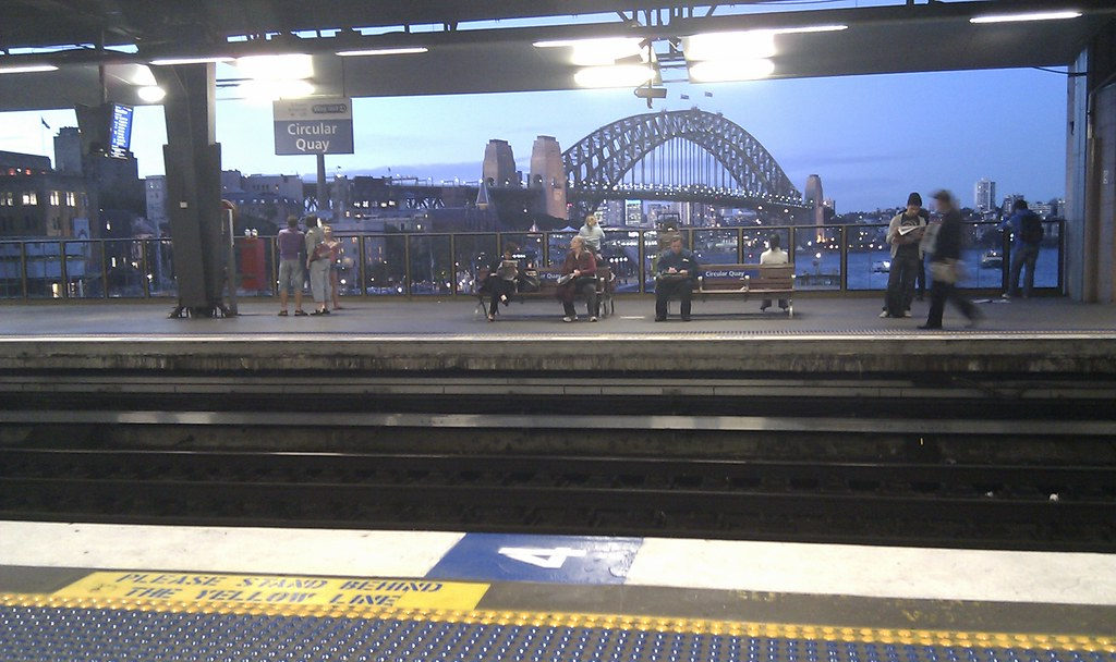 how to get to circular quay from central station