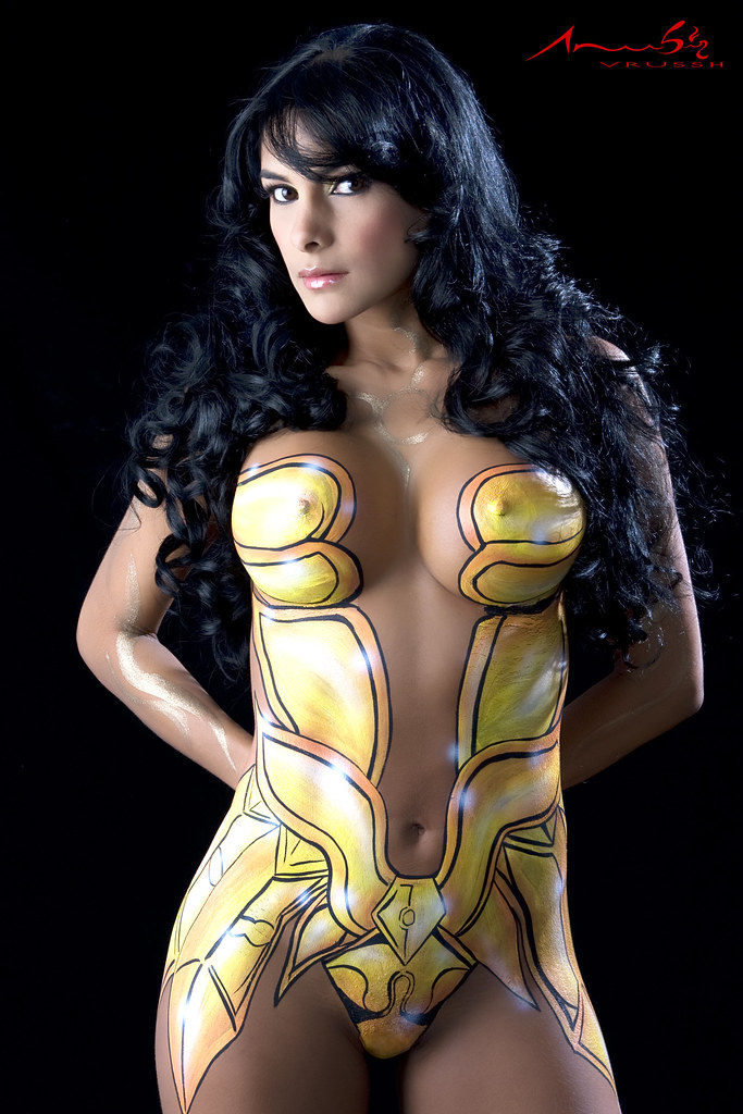 Girl Body Paint Public