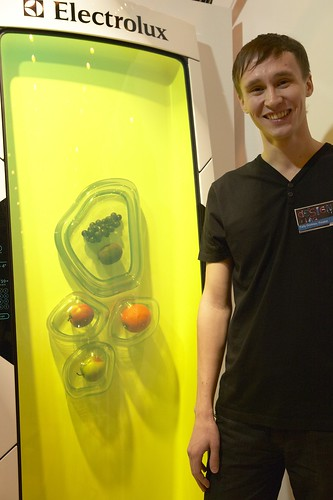 Bio robot fridge russia electrolux design lab final 2010 for Bio robot fridge cost