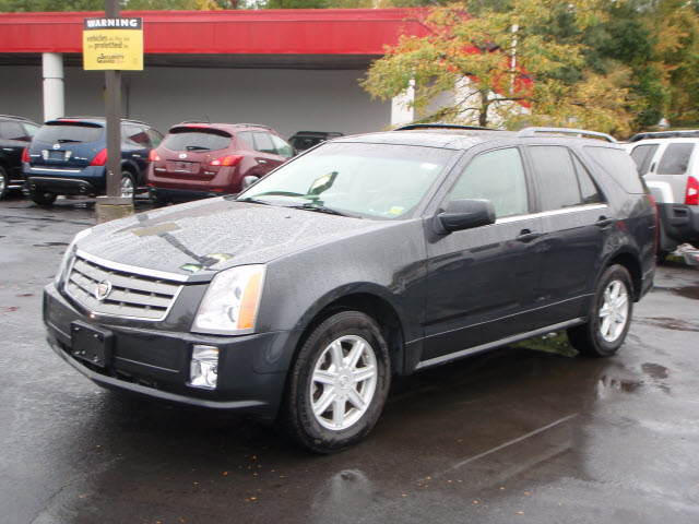 2004 cadillac srx used cadillac srx for sale at poughkeeps flickr. Black Bedroom Furniture Sets. Home Design Ideas