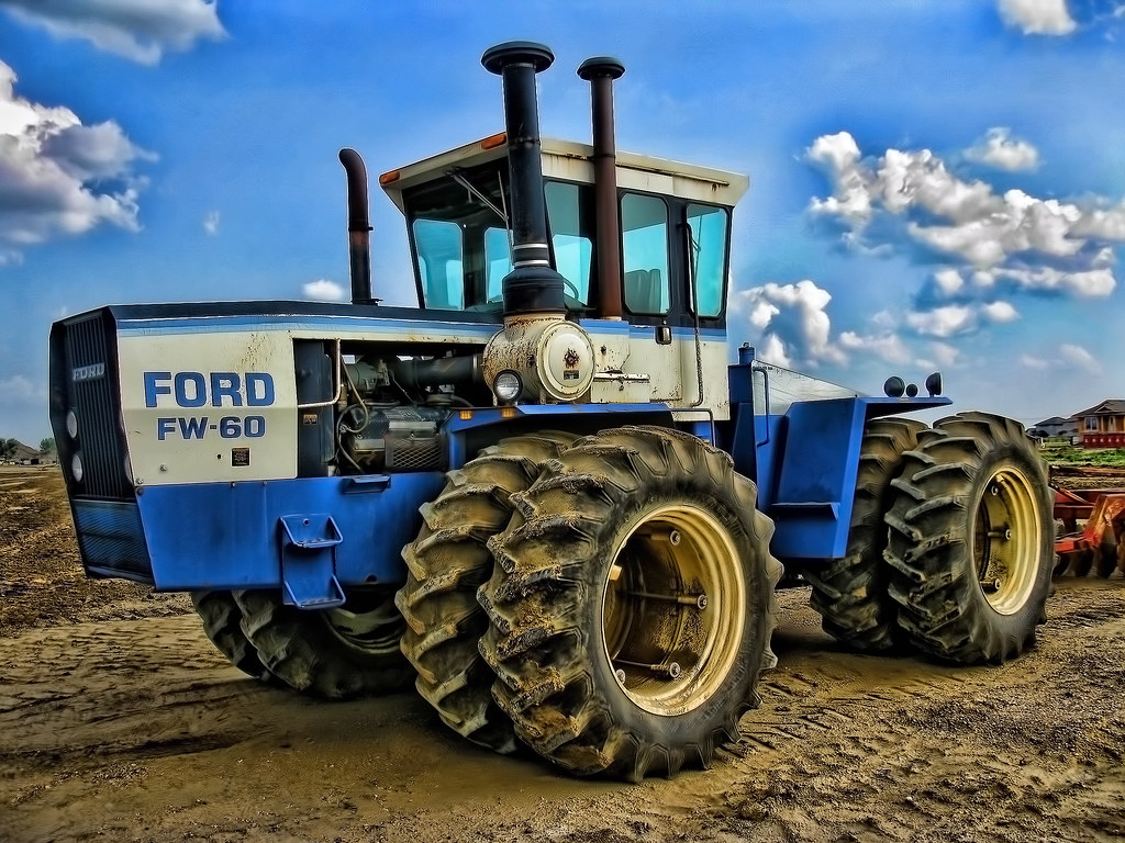 Ford Fw 60 Tractor Parked Out In A Field Saskatoon Saska Flickr