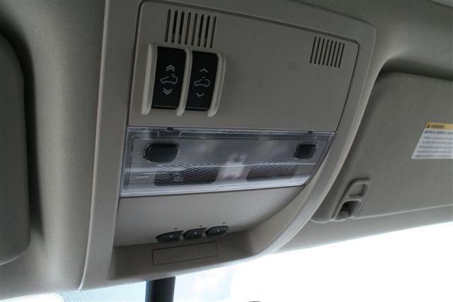 Sunroof Controls In The All New 2011 Gmc Sierra 3500hd Dua