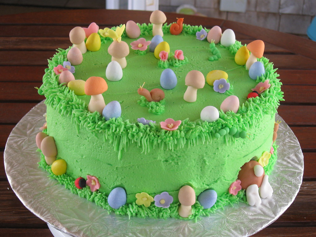 Easter Cake Design Photos : Easter Cake Easter Egg Hunt Cake with the easter bunny ...