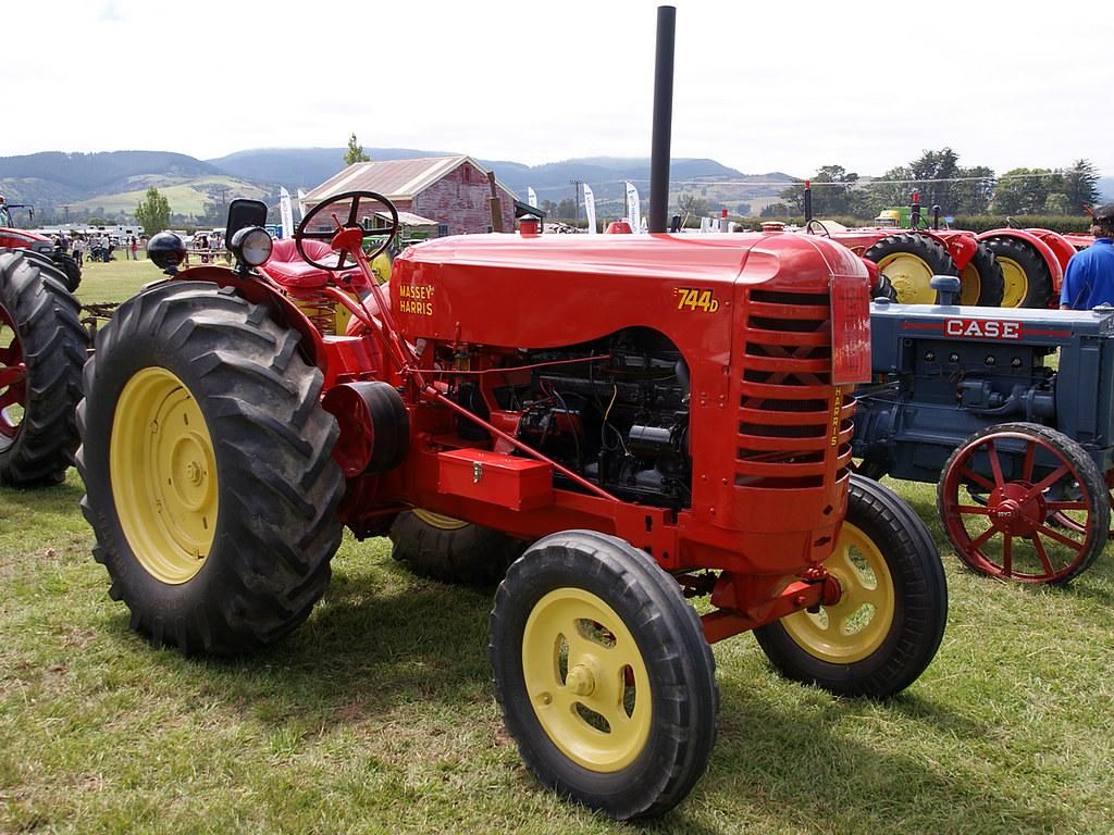 Massey Harris Tractor : Massey harris d tractor perkins p hp diesel