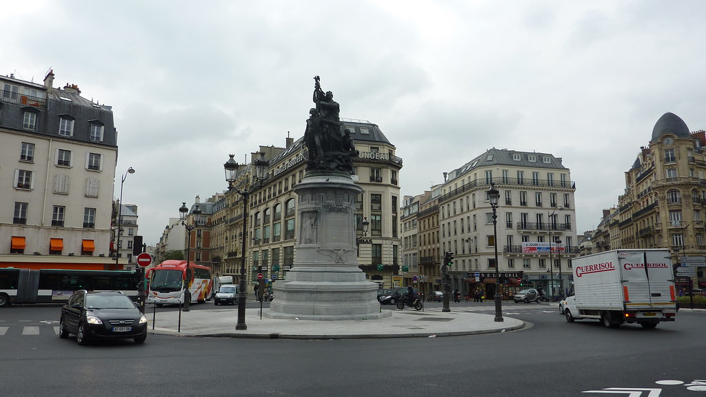 Place de clichy paris the place de clichy also known for Place de clichy castorama