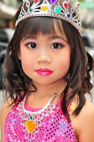 Little thai girl in a parade dave scott flickr for Tiny thai teen