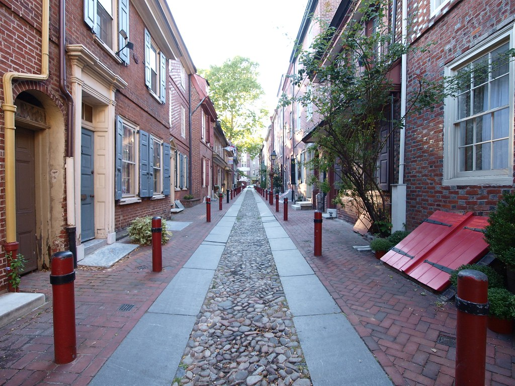 """Elfreths Alley...""""Our nation's oldest residential street ..."""