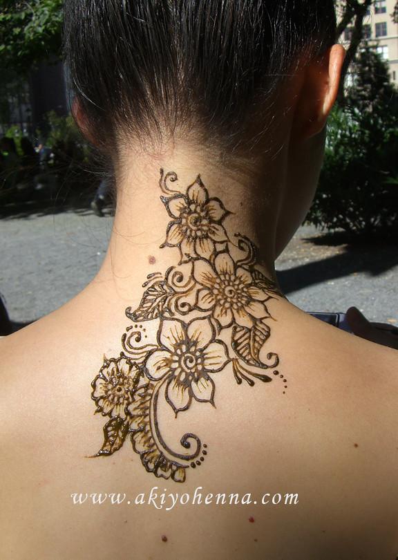 Mehndi Tattoo For Neck : Henna on neck akiyohenna flickr