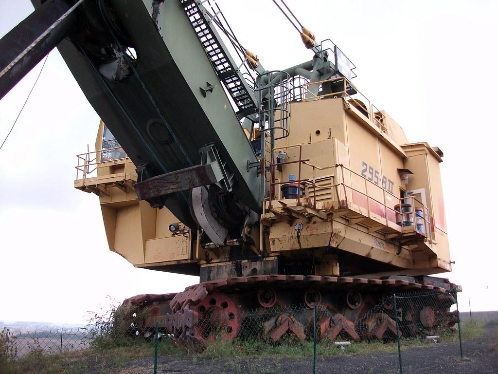 giant excavator - photo #9